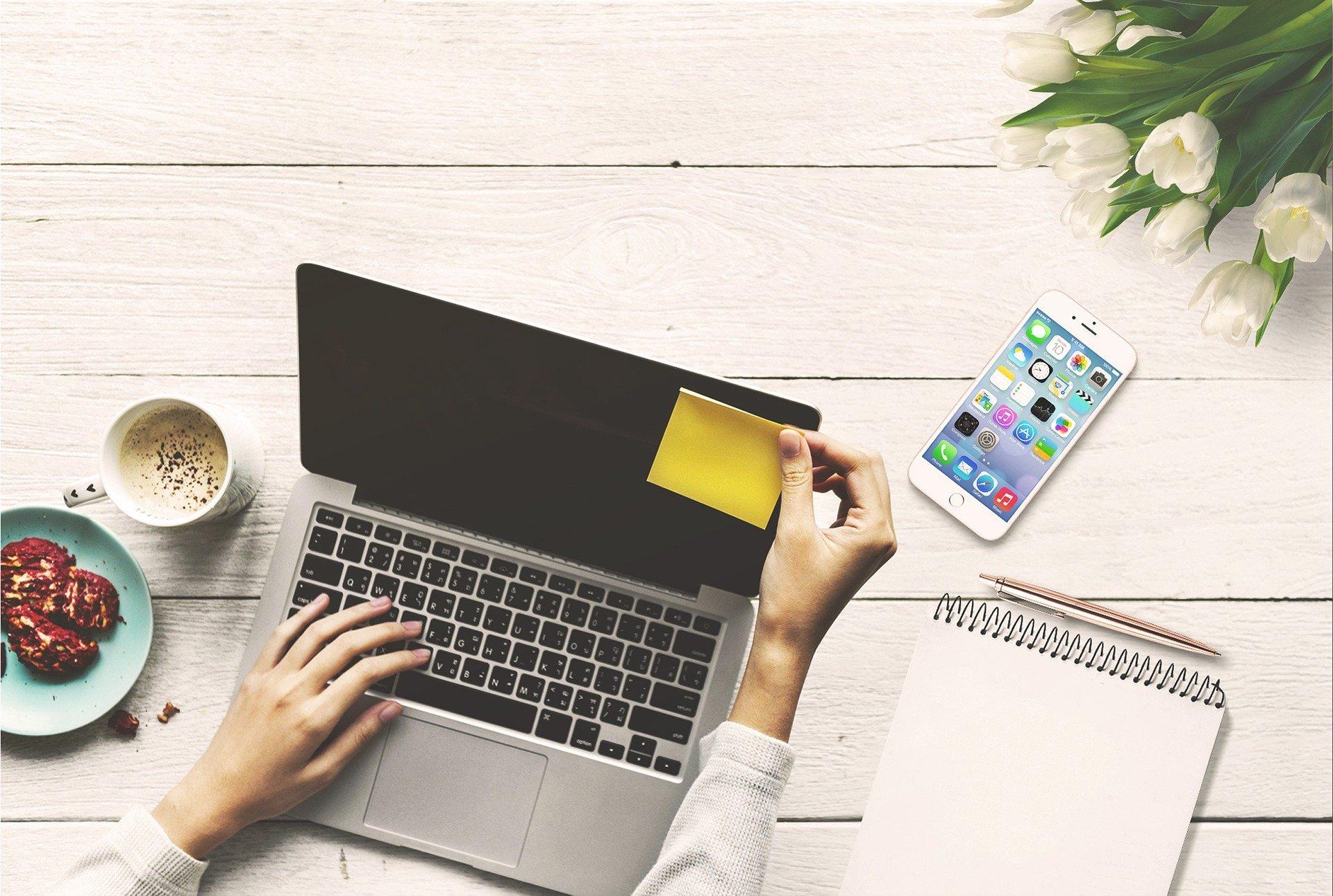 hogyan lehet pénzt keresni egy laptop segítségével