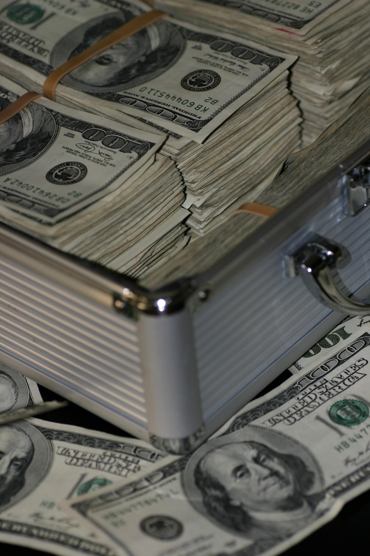 pénzt keresni dollárral hírkereskedési órák