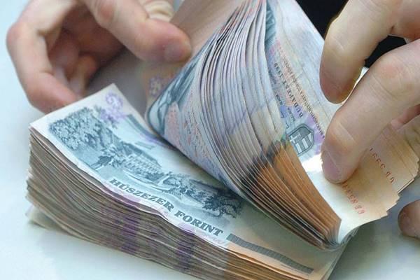 pénzt befektetni pénzt