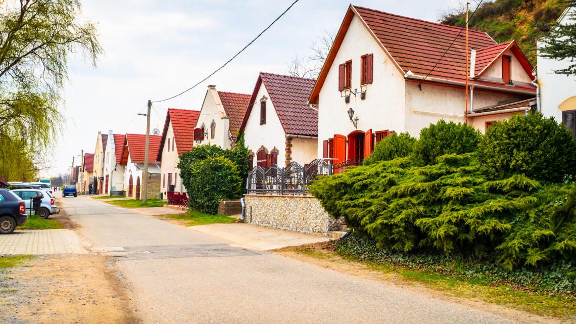 mennyit keresnek a 2. ház tulajdonosai